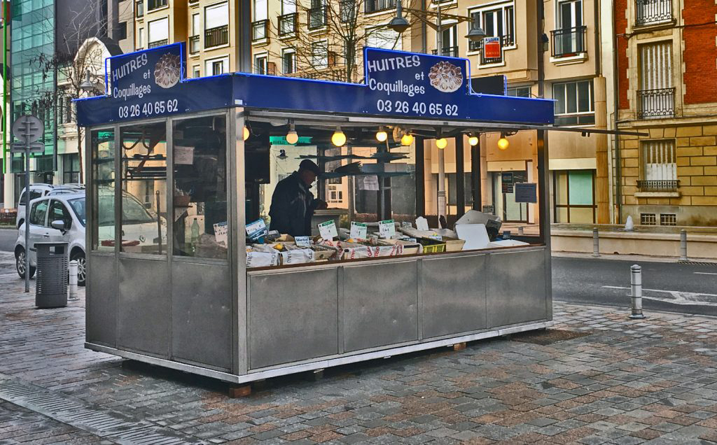 coquillages, shellfish, reims, oysters, clams, prawns, street vendor, paris day trips