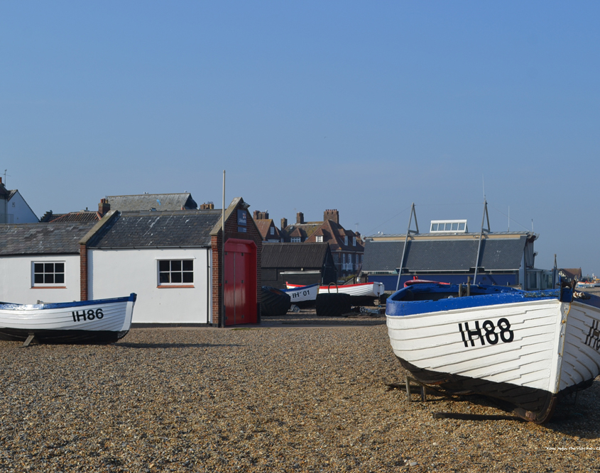 boats pm Aldeburgh Beach