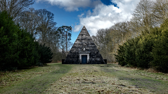 Blickling Mausoleum, Norfolk, NOrwich, creepy places, Boleyn, Anne Boleyn, mausoleum