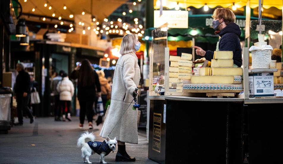 food market, London, England, mask wearing, protection, covid19. christmas shopping 2020
