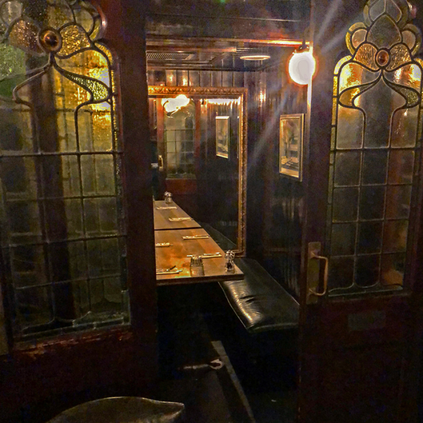 stay in a pub, private dining, london, england, smithfields