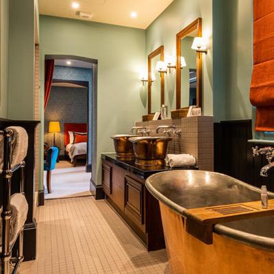 luxury bath, stay in a pub, london, england, copper baths
