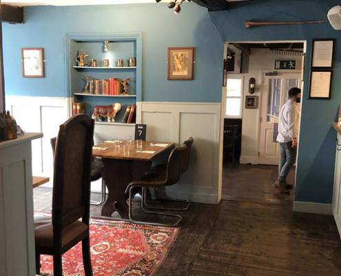 heritage colours, english pub, stamford, bull&swan, england