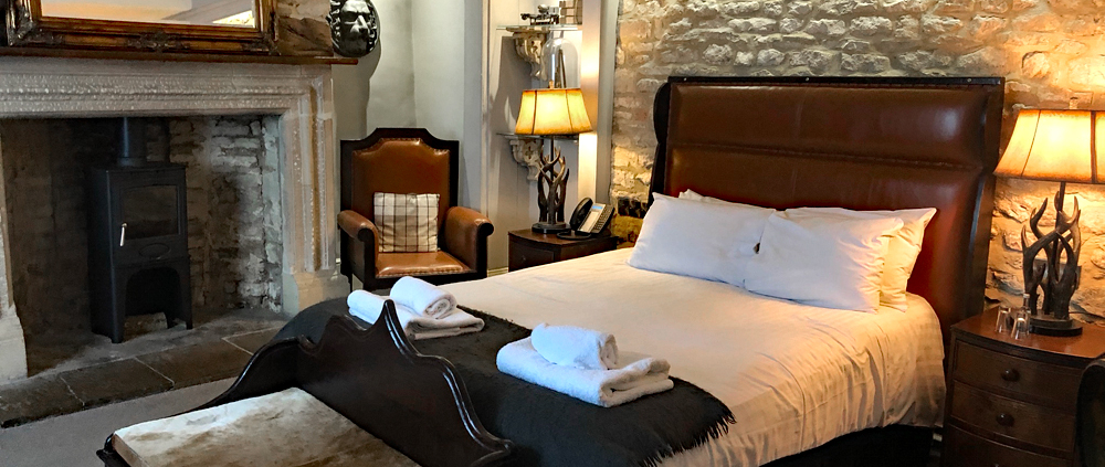 Luxury room at the Bull and Swan at Burghley, Burghley, Stamford, England, pub with rooms