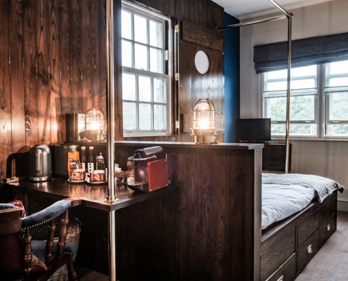 feature room, London hotels, England,the Pilot Greenwich, fuller's pubs, The Captain's Cabin